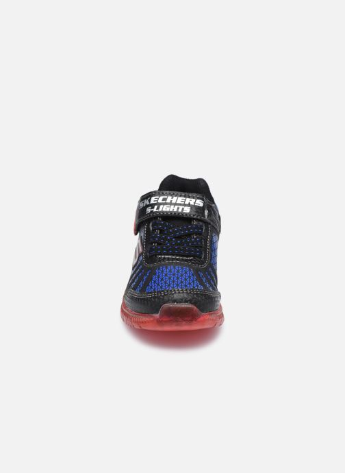 Deportivas Skechers Illumi-Brights Tuff Track Negro vista del modelo