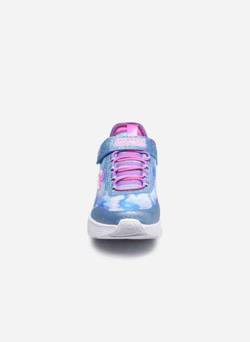 Sneakers Skechers Rainbow Racer Azzurro modello indossato