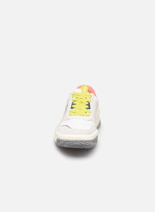 Sneakers Lacoste Ace Lift 0120 2 Bianco modello indossato