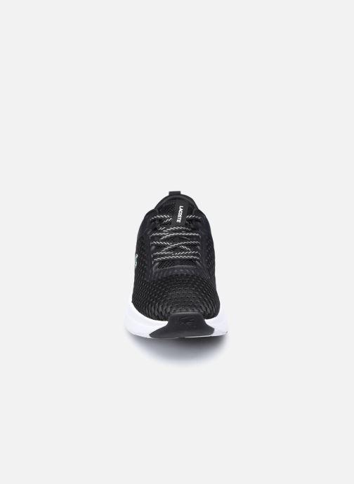 Baskets Lacoste Court-Drive 0120 1 Noir vue portées chaussures