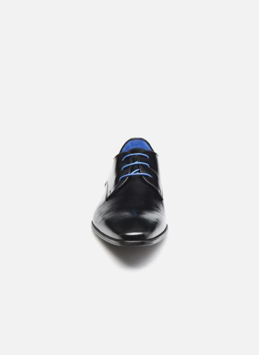 Scarpe con lacci Azzaro JORPI Nero modello indossato