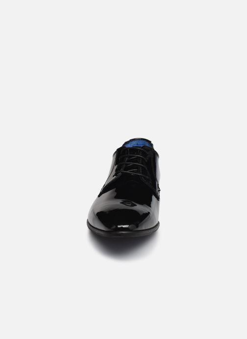 Snøresko Azzaro VICHOL Sort se skoene på