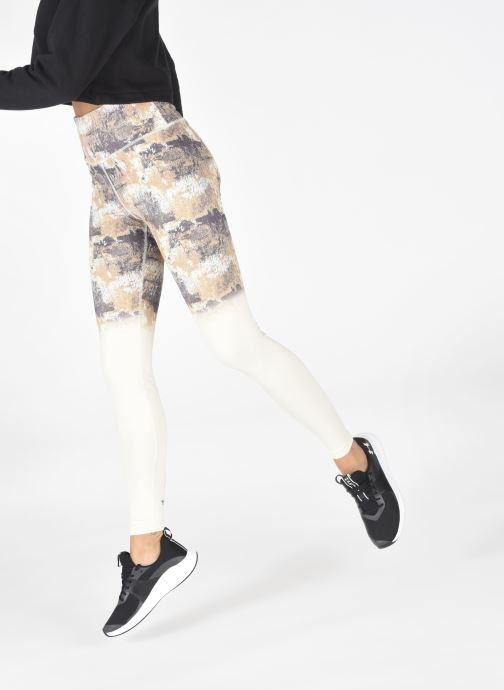 Chaussures de sport Under Armour UA W Charged Aurora Noir vue bas / vue portée sac