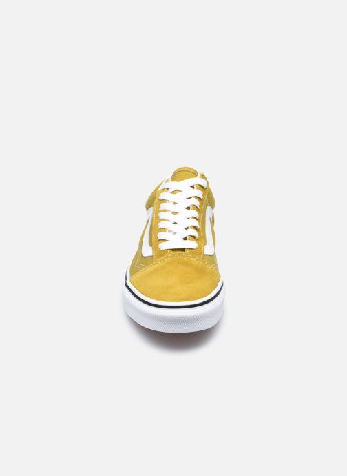 Sneaker Vans UA Old Skool II gelb schuhe getragen