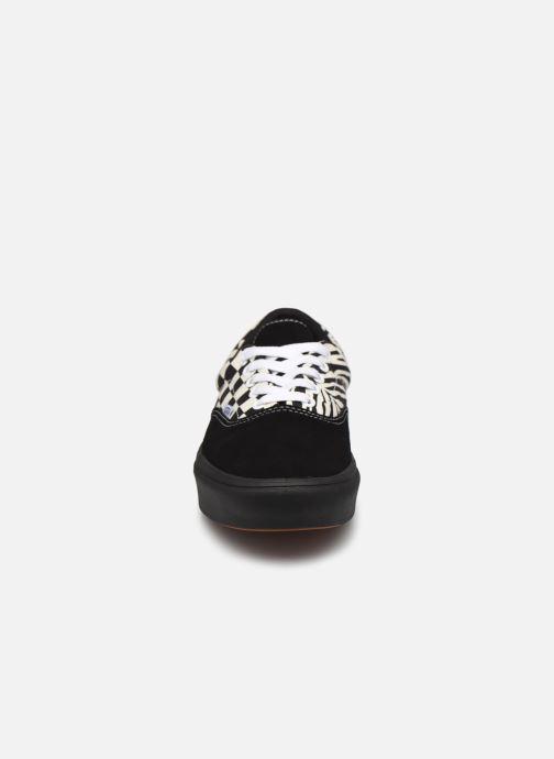 Sneaker Vans UA ComfyCush Era schwarz schuhe getragen