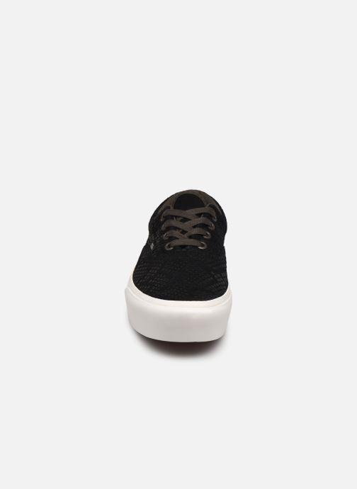 Baskets Vans UA Era Platform (ANIMAL) EMBOSS Noir vue portées chaussures