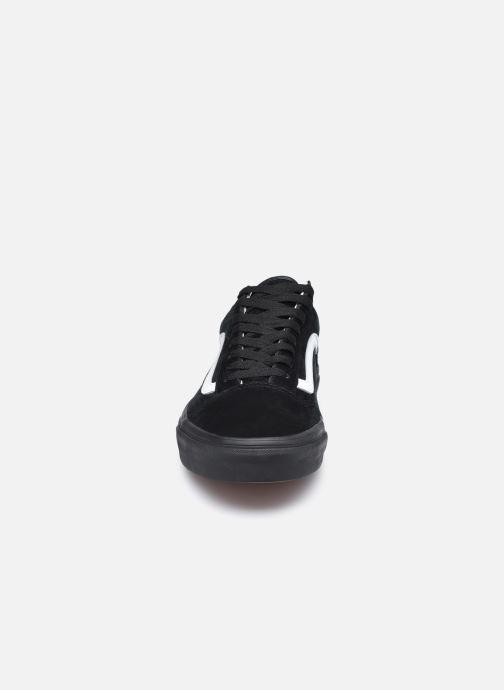 Baskets Vans UA Old Skool (PIG SUEDE) BLA Noir vue portées chaussures