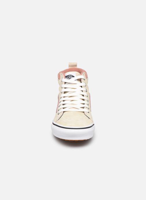 Sneaker Vans UA SK8-Hi MTE (MTE) SUEDE/ANT weiß schuhe getragen