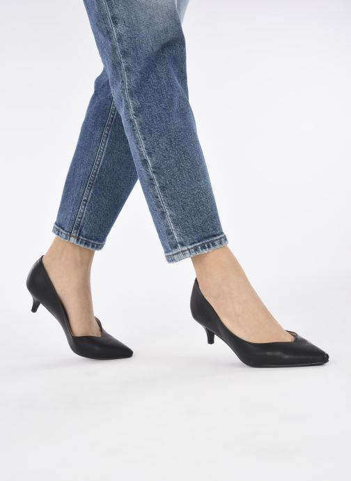 Pumps I Love Shoes THALONAK schwarz ansicht von unten / tasche getragen