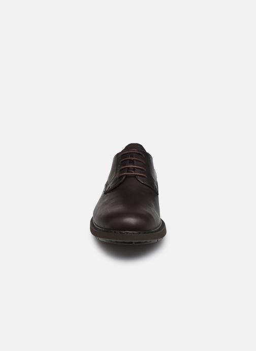 Scarpe con lacci Camper Neuman Marrone modello indossato