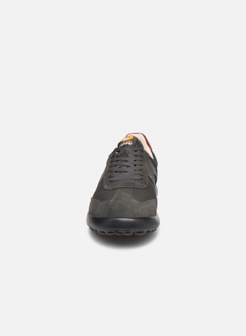 Sneakers Camper Pelotas XL Fiesta Grigio modello indossato