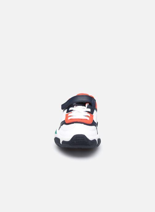 Sneaker Clarks Kuju Run K weiß schuhe getragen