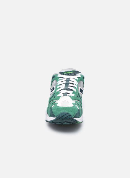 Sneaker Saucony Grid Azura grün schuhe getragen