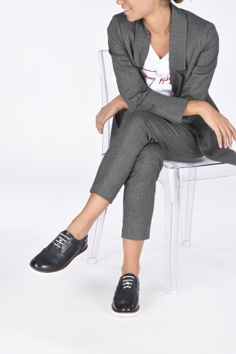 Chaussures à lacets TBS Chacara Noir vue bas / vue portée sac