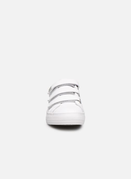 Baskets TBS Newkirk Blanc vue portées chaussures