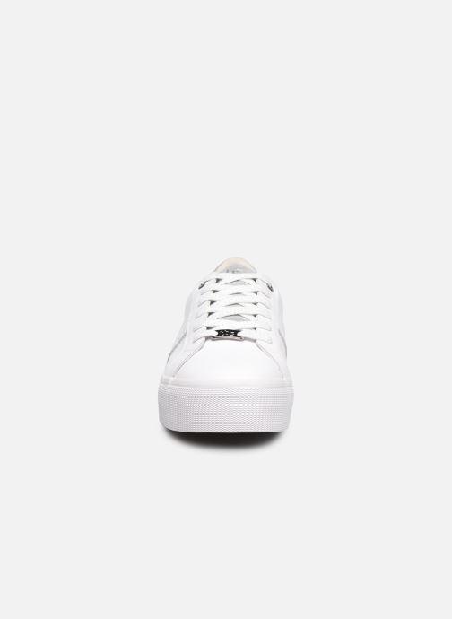 Baskets TBS Nocella Blanc vue portées chaussures