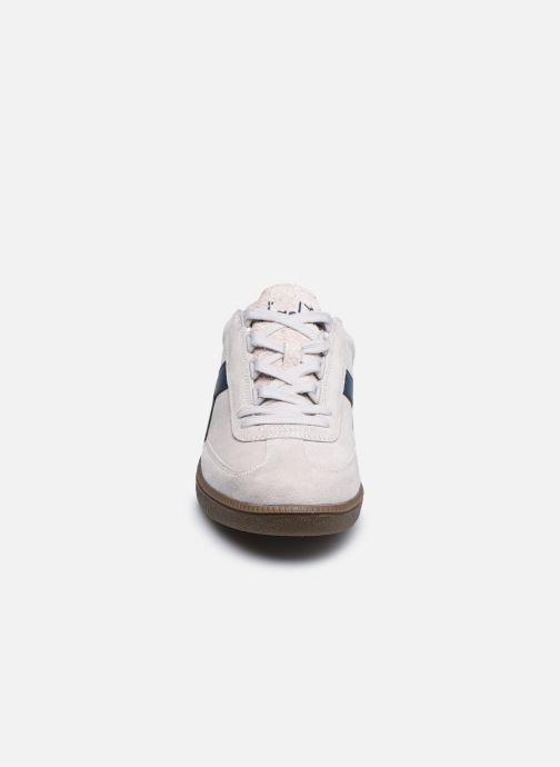 Baskets Diadora Aberdeen Blanc vue portées chaussures