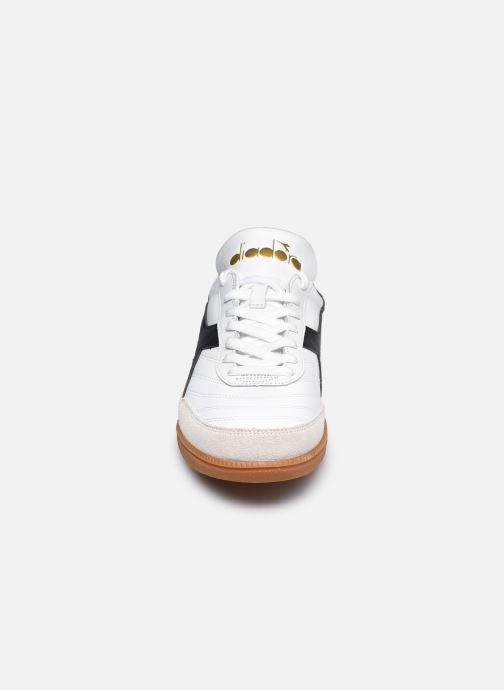 Baskets Diadora Gold Indoor Blanc vue portées chaussures
