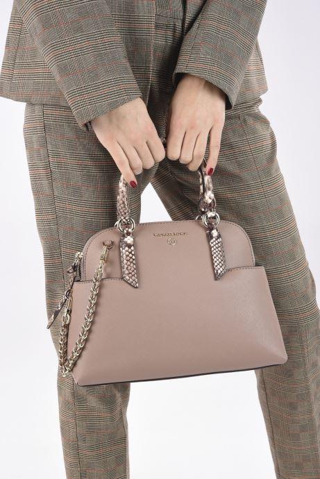 Handtaschen Michael Michael Kors HUDSON SM DOME SATCHEL rosa ansicht von unten / tasche getragen