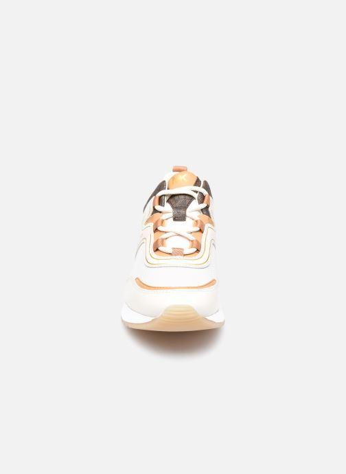 Baskets Michael Michael Kors PIPPIN TRAINER Beige vue portées chaussures