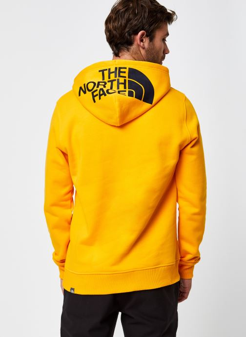 Vêtements The North Face M Seasonal Drew Peak Pullover Jaune vue portées chaussures