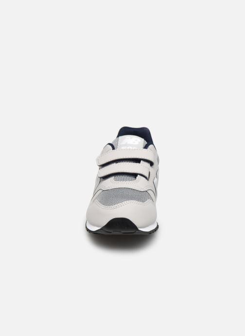Sneakers New Balance KV500 Oro e bronzo modello indossato