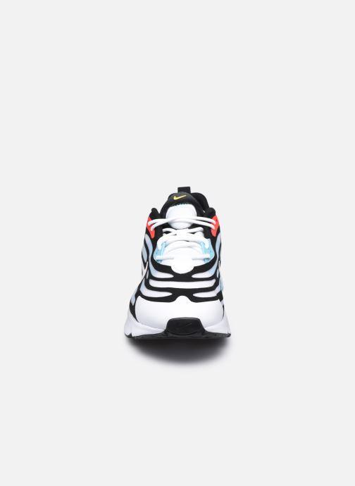Sneakers Nike Nike Air Max Exosense Bianco modello indossato