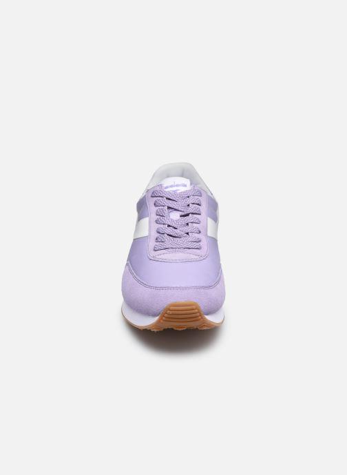 Baskets Diadora Koala Violet vue portées chaussures