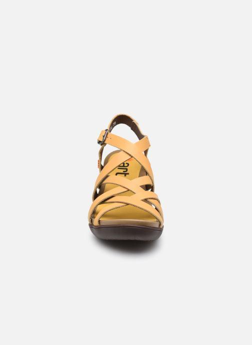 Sandali e scarpe aperte Art ALFAMA 1477 Giallo modello indossato