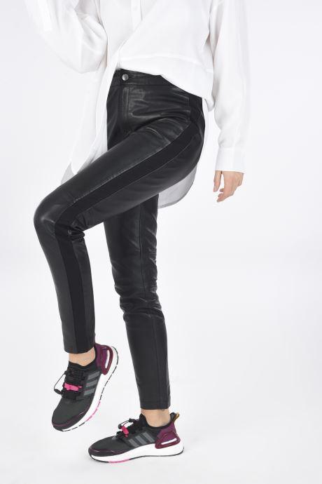 Chaussures de sport adidas performance Ultraboost C.Rdy W Noir vue bas / vue portée sac