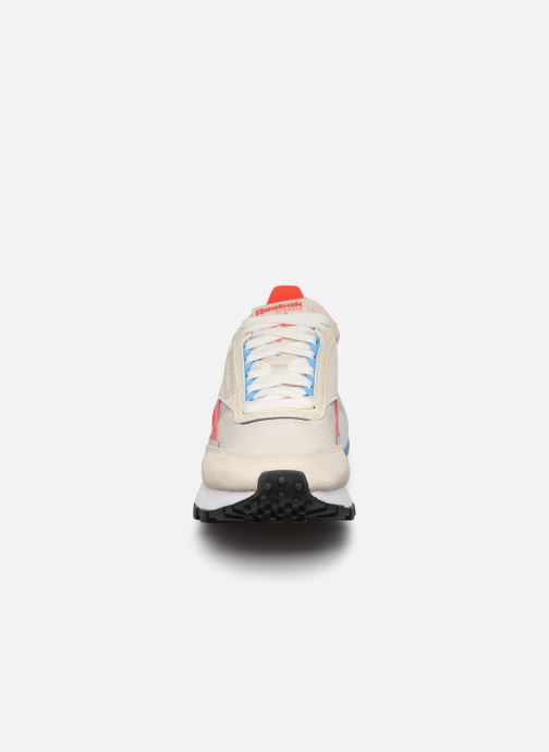 Sneakers Reebok Cl Legacy W Bianco modello indossato