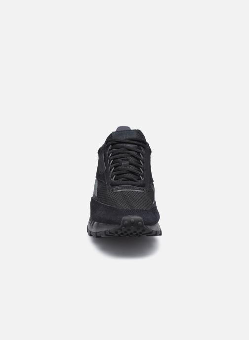 Baskets Reebok Cl Legacy Noir vue portées chaussures