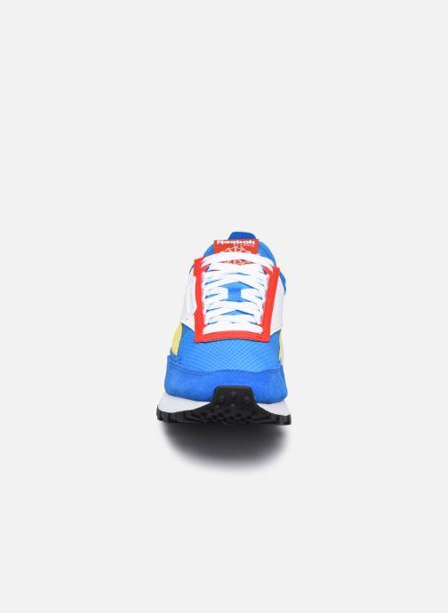 Deportivas Reebok Cl Legacy Azul vista del modelo
