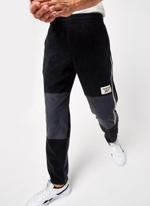 Vêtements Reebok Cl Gp We Trackpant Noir vue détail/paire