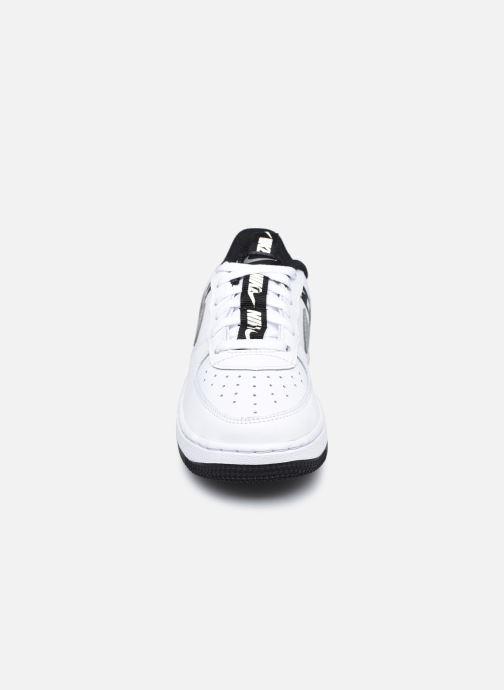 Baskets Nike Force 1 Lv8 Ksa (Ps) Blanc vue portées chaussures