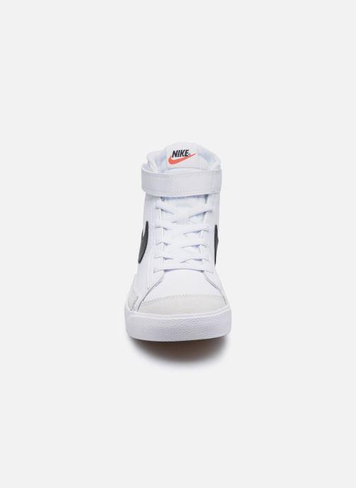 Baskets Nike Nike Blazer Mid '77 (Ps) Blanc vue portées chaussures