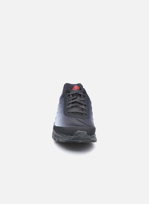 Baskets Nike Nike Air Max Invigor Gs Noir vue portées chaussures