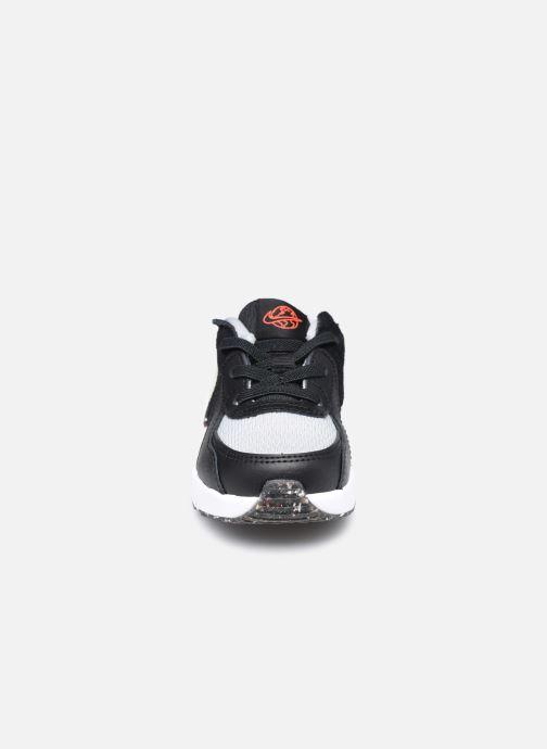 Baskets Nike Nike Air Max Excee Se (Td) Noir vue portées chaussures
