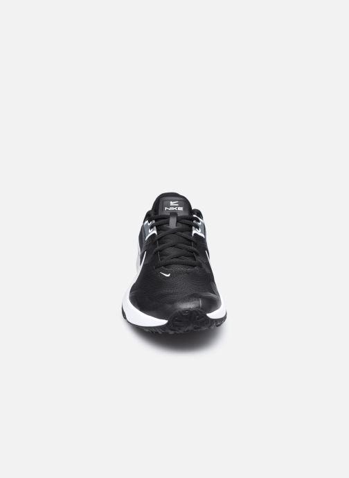 Baskets Nike Nike Varsity Compete Tr 3 Noir vue portées chaussures