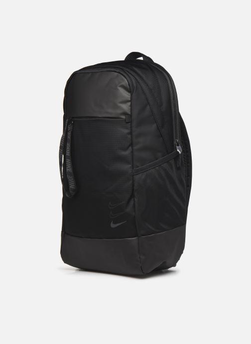 Rucksäcke Nike Nk Sprtswr Essentials Bkpk schwarz schuhe getragen