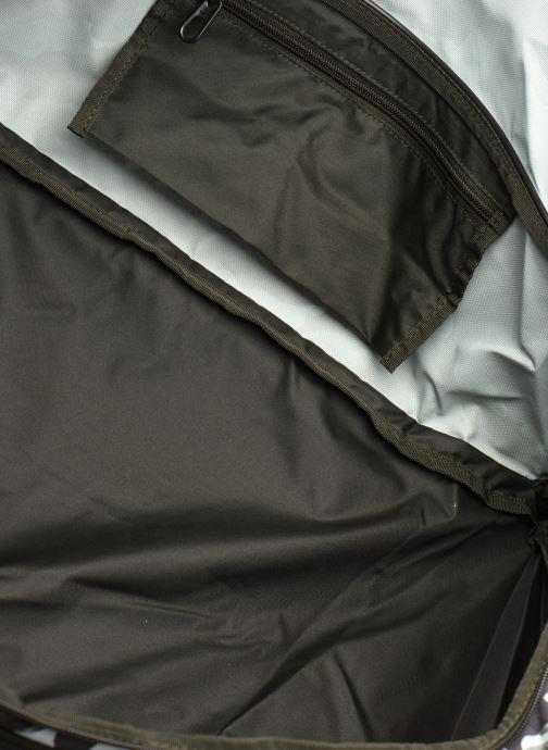 Sporttaschen Nike Nk Brsla M Duff-9.0 Aop 2 Su20 grün ansicht von hinten