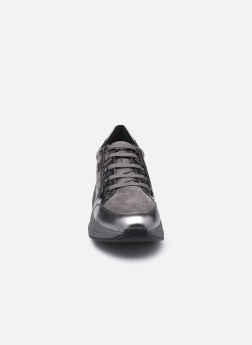 Sneakers Geox D Backsie A D94FLA Grigio modello indossato