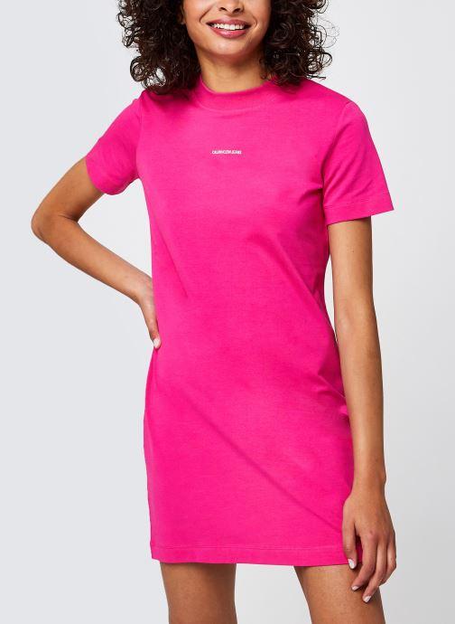 Ropa Calvin Klein Jeans Micro Branding T-Shirt Dress Rosa vista de detalle / par