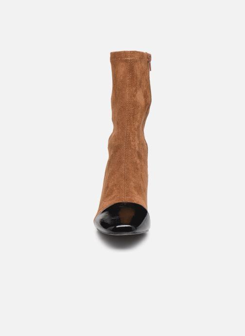 Bottines et boots Vanessa Wu BT2179 Beige vue portées chaussures
