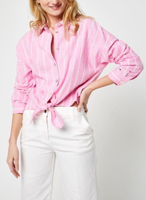 Vêtements Tommy Jeans Tjw Relaxed Front Knot Shirt Rose vue détail/paire