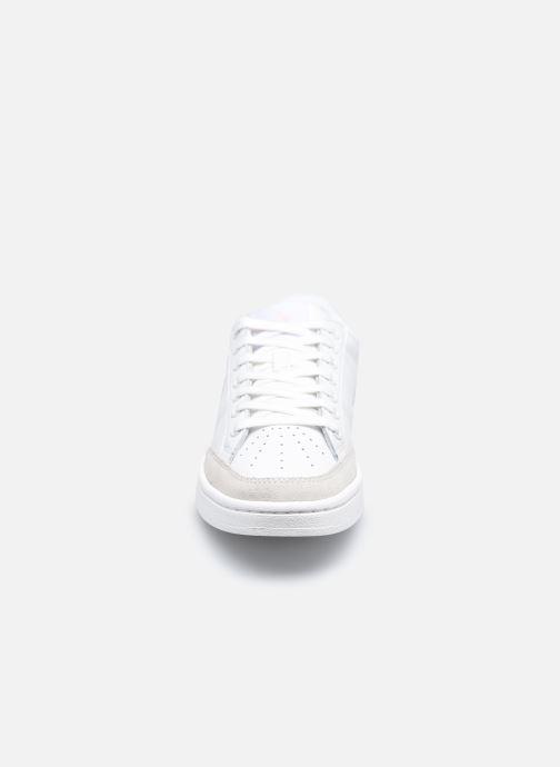 Baskets Le Coq Sportif Courtnet W Blanc vue portées chaussures
