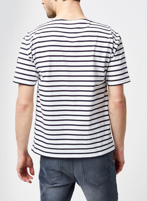 """Vêtements Armor Lux Marinière """"Théviec"""" Homme New Blanc vue portées chaussures"""