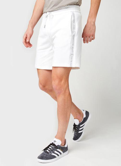 Vêtements Calvin Klein Jeans Logo Jacquard Hwk Short Blanc vue détail/paire