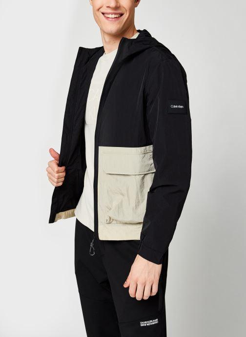 Kleding Calvin Klein Crinkle Nylon Hooded Windcheater Zwart detail