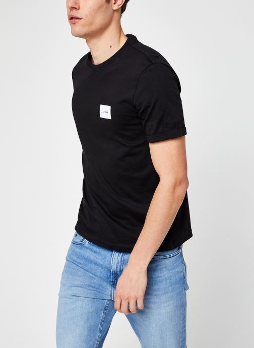 Vêtements Calvin Klein Turn-Up Logo Sleeve T-Shirt Noir vue détail/paire